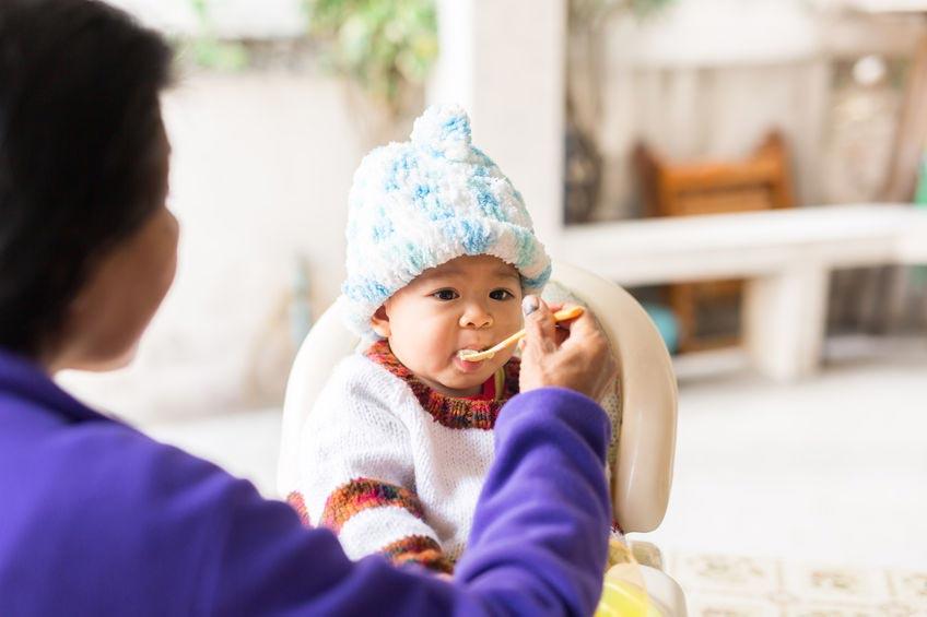 Yuk, Ikuti Panduan Memperkenalkan MPASI kepada Si Kecil