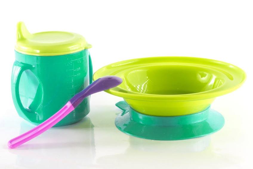 Tips Memilih Peralatan Makan Bayi yang Aman untuk Si Kecil