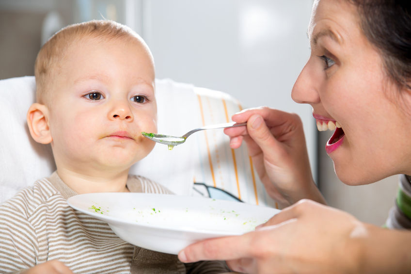 Manage Your Child Constantly Chewing Food witth 4 Methods
