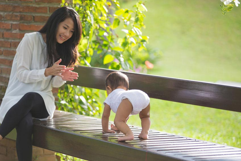 6 Cara Agar Anak Cepat Jalan Ini Sangat Efektif, Ayah Bunda! How To Teach Toddler To Walk with these 6 Effective Tips